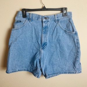 LEE JEANS vintage high wasted jean shorts
